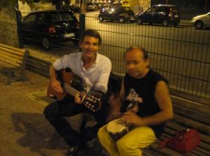 Sandro e Tony in piazza Giovenale
