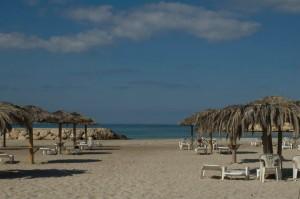 """La spiaggia di Tiro da cui nacque la canzone """"Nel mare di tiro"""" quarto brano del CD """"Last Call - note di un inviato"""""""
