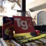 Un tavolino da colazione trasformato in redazione mobile